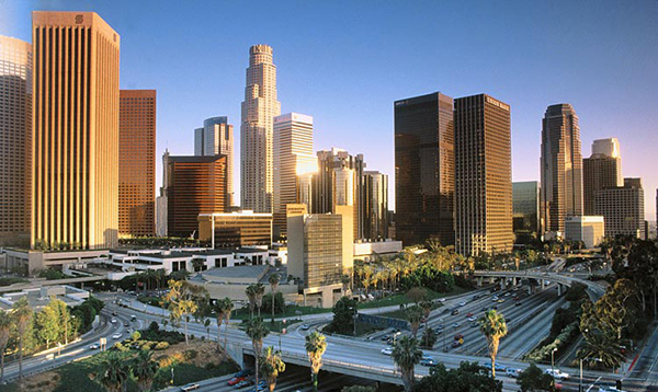 ve-may-bay-di-Los-Angeles