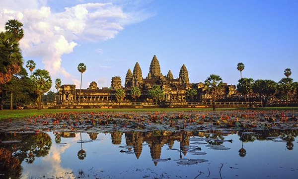 ve-may-bay-di-siem-reap