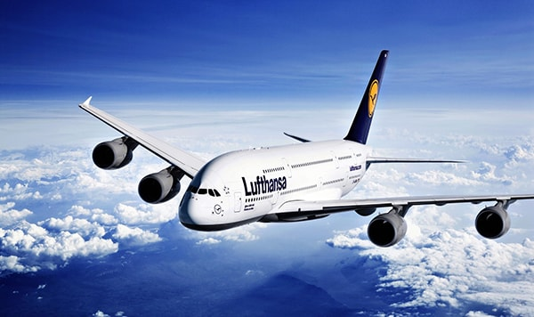 ve-may-bay-lufthansa
